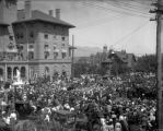 President Roosevelt in front of the Antlers Hotel. Colo. Springs