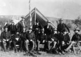 Officers with Indian fighters at Pine Ridge, S.D.