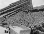 The crowd that came to see the Red Rocks show