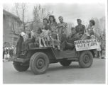 Barnum Elementary School children and soldiers in jeep