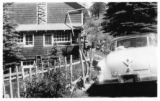 Winks Panorama (Wink's Lodge) exterior with car