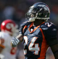 JPM011 FILE CHIEFS BRONCOS+41460 Denver Broncos Champ Bailey against the Kansas City Chiefs at...