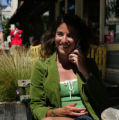 NYT21 - (NYT21) SAN FRANCISCO -- August 29, 2004 -- CELLPHONE-DIRECTORY -- Susie Shapira, a...