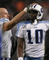 [JOE0184]    Tennessee Titans quarterback Vince Young watches a replay of a dropped pass late in...