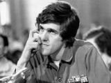 NYT11 - (NYT11) UNDATED -- Oct. 17, 2004 -- SINCLAIR-POLITICS-MEDIA -- Sen. John Kerry in a scene...