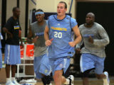 (JOE0022) Former Ralston Valley High standout Nick Fazekas (20), of Arvad, Colo., practices with...