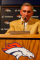 DM0230  BroncosShanahanPresser56300 Mike Shanahan, former head coach of the Denver Broncos, talks...