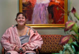 SH05E345SURGERY Sacramento, Calif., May 26, 2005 _ Jennifer Lincoln, 28, in the waiting room...