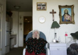 (Denver, Colorado, 11/7/2005)  Mary Hanna's (cq) mother Anna Teresa Sporcich (cq) wandered three...