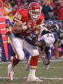 Kansas City Chiefs Tony Gonzalez cates a 25 yard Trent Green pass fo a touchdown as Denver Broncos...