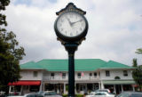 (NYT55) PINEHURST, N.C. -- June 6, 2005 -- GLF-US-OPEN-RACE-2-- A view of the shopping district in...