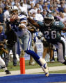 IRV101 - Dallas Cowboys wide receiver Terry Glenn (83) pulls in a 38-yard touchdown pass in front...