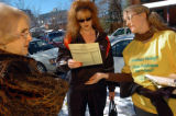 (11/02/04, Denver, CO) Misty Ewegen, a volunteer for Fair vote Colorado, greeted voters as they...