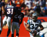 (Denver., on Sun. Oct. 10, 2004)   Denver Broncos Kelly Herndon, #31, congratulates Broncos Champ...