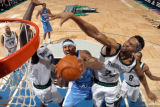 Carlos Gonzalez/Star Tribune  April 18, 2004- Target Center, - Minneapolis, MN- NBA Playoffs -...